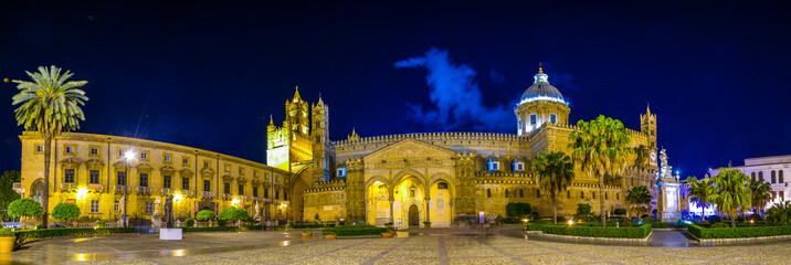 In de dag Palermo Night view of the cathedral of Palermo, Sicily, Italy