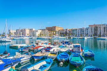 La pose en embrasure Palerme Marina in Palermo, Sicily, Italy