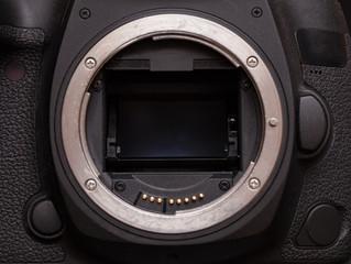 mirror system of a modern DSLR camera