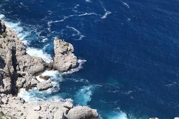 Mittelmeerküste mit Felsen