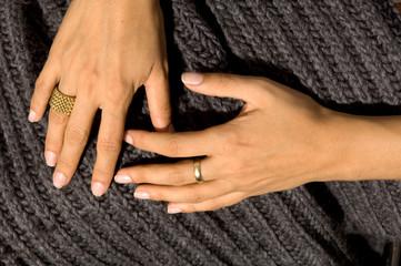 Hände Bauchweh Stoff stricken Ringe