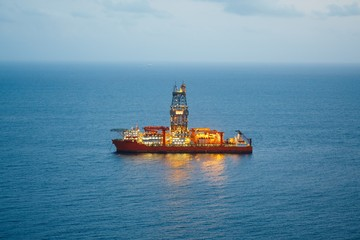 offshore oil and gas drillship with illumination