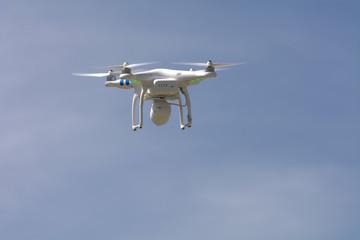 Drohne im Flug bei Landung
