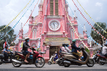 Motorcycles and Pink Catholic Church in Saigon, Vietnam ホーチミンのタンディン教会とバイク群