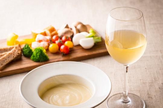 チーズと白ワイン