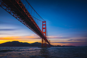 Fototapete - The Golden Gate Bridge at Sunset