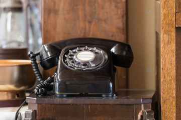 レトロな黒電話 / 昭和の記憶