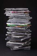 Pila di porta cd e dvd