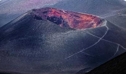 Paysage volcanique au sommet de l'Etna en Sicile Fototapete