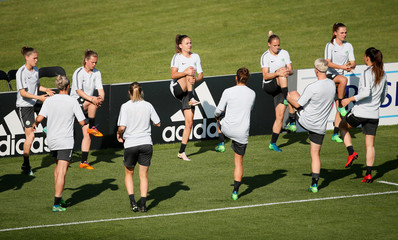 Women's Champions League - VfL Wolfsburg Training