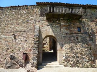 Santa Pau, pueblo de Gerona, ubicado en la comarca de La Garrocha, Cataluña (España)