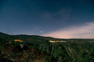 noche en el Ribeirsa Sacra, Lugo, Galicia, España, cañol del rio Sil
