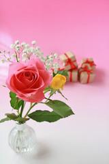 花と贈り物イメージ