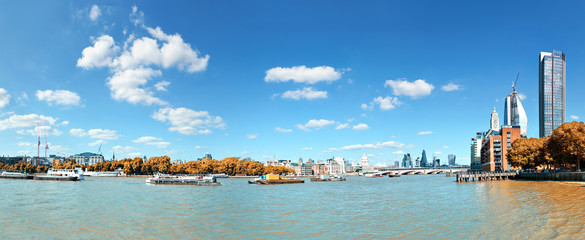 Wall Mural - London, view over river Thames on St. Paul's cathedral and Blackfriars bridge