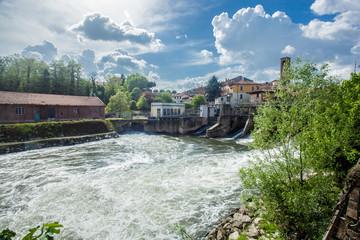 Melegnano in provincia di Milano, Lombardia - Italia - durante una giornata di sole e nuvole