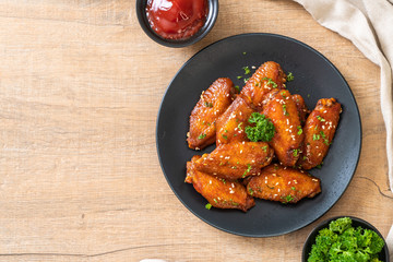 barbecue chicken wings with white sesame