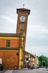 In de dag Monument Molinella, Emilia-Romagna, Italy