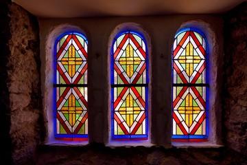 Vitrail dans la cathédrale Saint-Tugdual de Tréguier en Bretagne