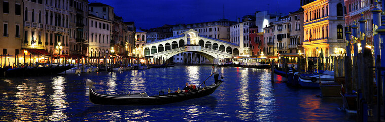 Foto op Canvas Venice Rialto by night, Venice, Italy