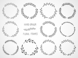 Vector set of floral hand drawn round frames. Fototapete