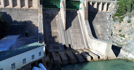 Water reservoir and hydroelectric power generating detail