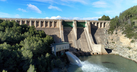 Water reservoir and hydroelectric power generating station general view