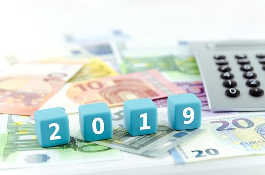 2019, Geld, Taschenrechner
