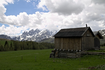 view of an alpine mountain landscape