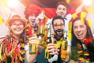 Deutsche Fussball Fans im Weltmeisterschaft Fieber