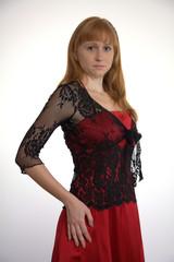 Burgfräulein in rot und schwarz