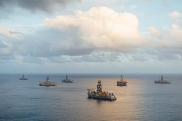 offshore oil platform and gas drillships