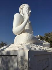 Découverte srilanka site Mihintale statue géante boudha