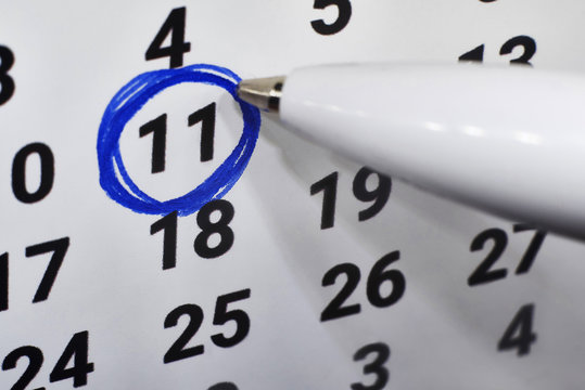 In calendar 11, the number is circled around the blue handle.