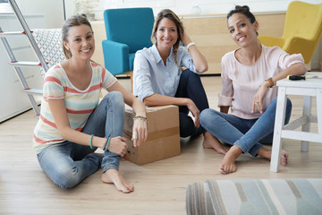 Group of friends moving in together in new home