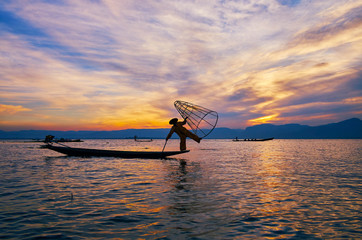 Enjoy the fishing on Inle Lake, Myanmar