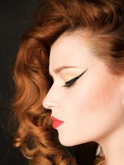 Profil femme rousse