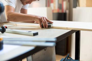 Preparing wood for painting