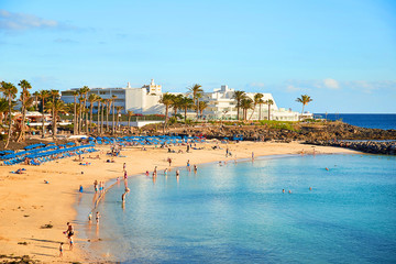 Photo sur Aluminium Iles Canaries Panoramic view of Playa Blanca