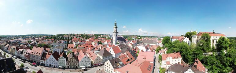 Panoramaluftaufnahme der bayerischen Stadt Freising, Deutschland