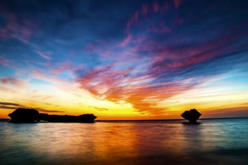 沖縄 渡具知ビーチの夕暮れ