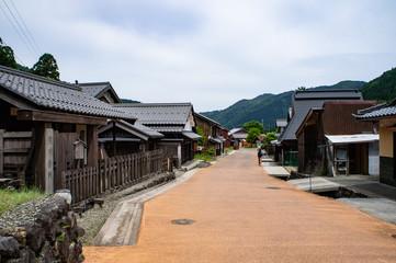 鯖街道の熊川宿の町並み