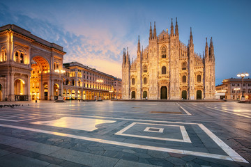 In de dag Milan Milan. Cityscape image of Milan, Italy with Milan Cathedral during sunrise.