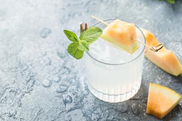 Melon lemonade with ice