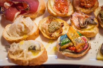 Photo sur Toile Buffet, Bar Cicchetti are small snacks served in traditional bars in Venice