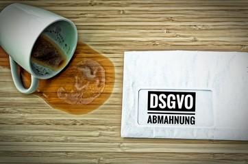 Brief mit Achtung DSGVO-Abhmahnung in englisch attention DSGVO (GDPR) warning