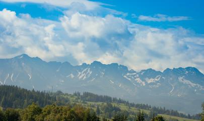 Fototapeten Gebirge View of mountain peaks in spring time in High Tatras