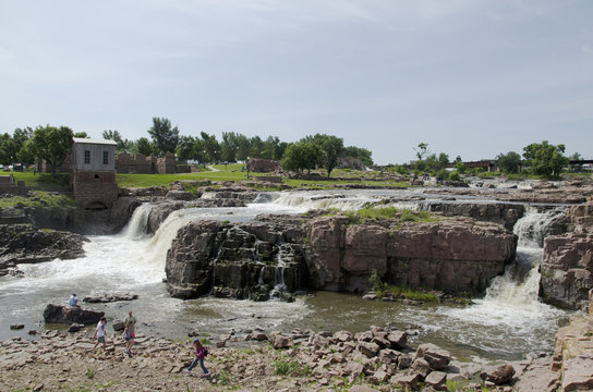 A view of the sioux falls from the falls park in sioux fall, SD