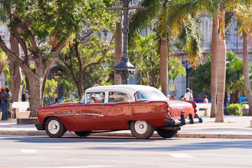 Printed roller blinds Havana CUBA, HAVANA - MAY 5, 2017: American brown retro car on city street. Copy space for text.