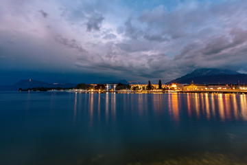 Fototapete - Mountain lake in the Alps at night. Lucerne at night.