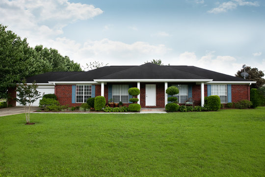 1980's Brick Ranch Style House in the Suburbs